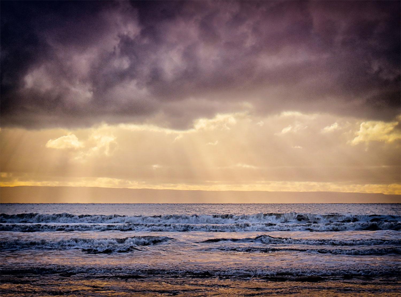 Golden Rays On The Severn Seas (2021)